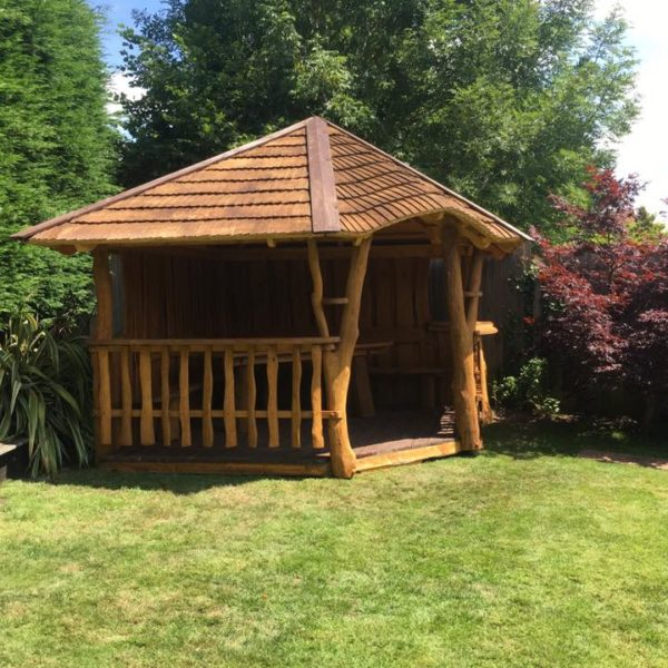 Rustic company Belmont 303 Summer House front side