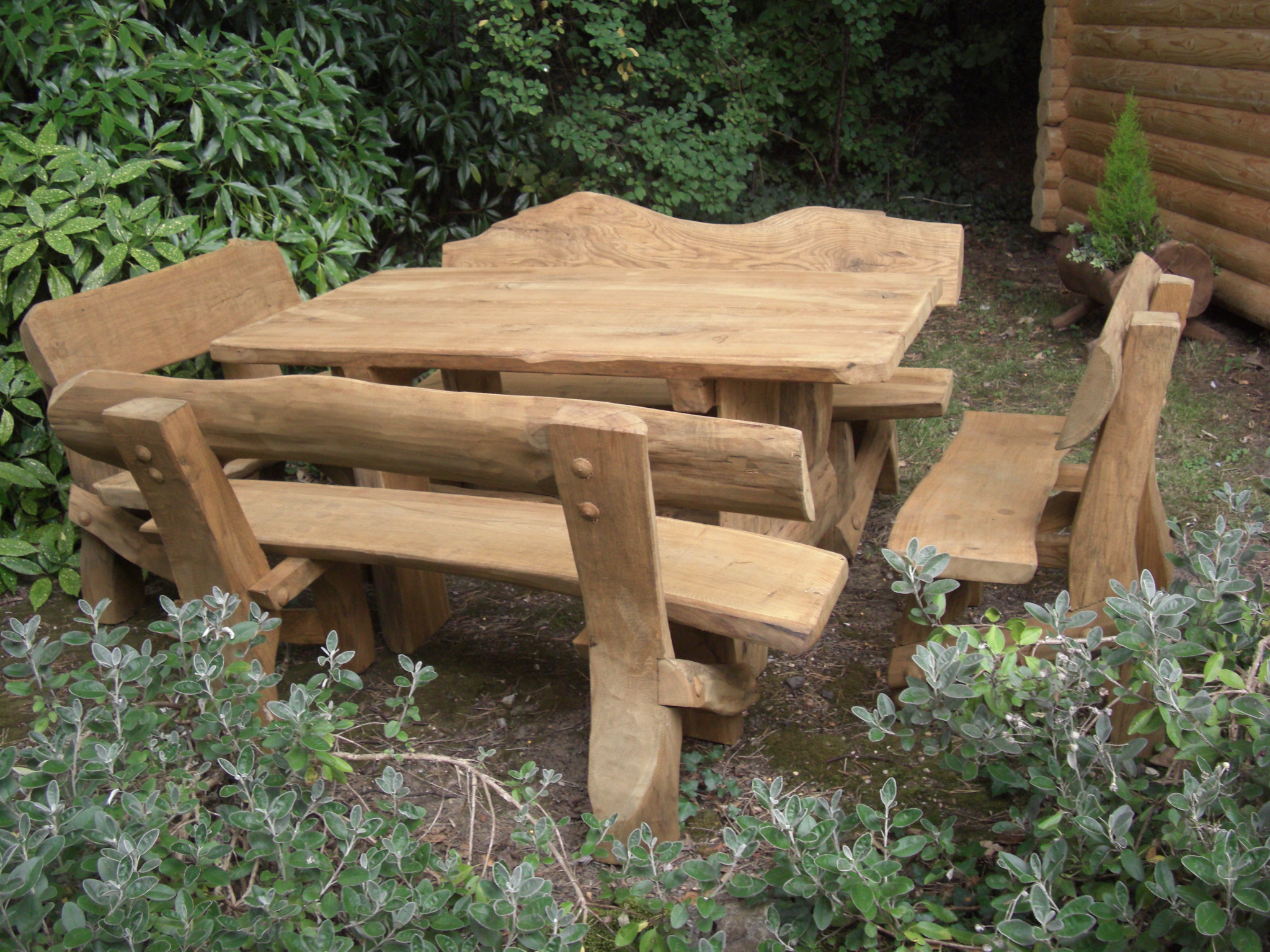 Bench and table set 2 the rustic company for Bancas de madera para jardin