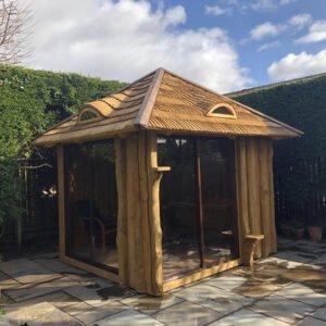 Enclosed summerhouse